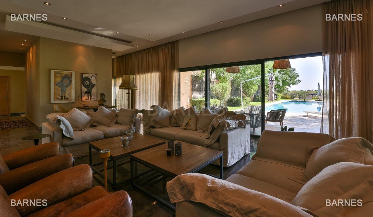 Très belle villa de plein-pied au ligne contemporaine avec de large baie vitrée en 1er ligne de golf . picture 7