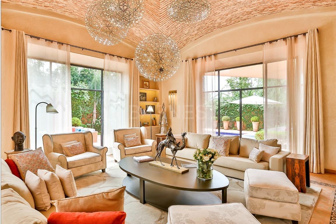 Vente villa Marrakech  Très belle villa sur Golf d'Amelkis, 5ch, toute récemment refaite et décorée avec du mobilier de très grande qualité.  picture 1