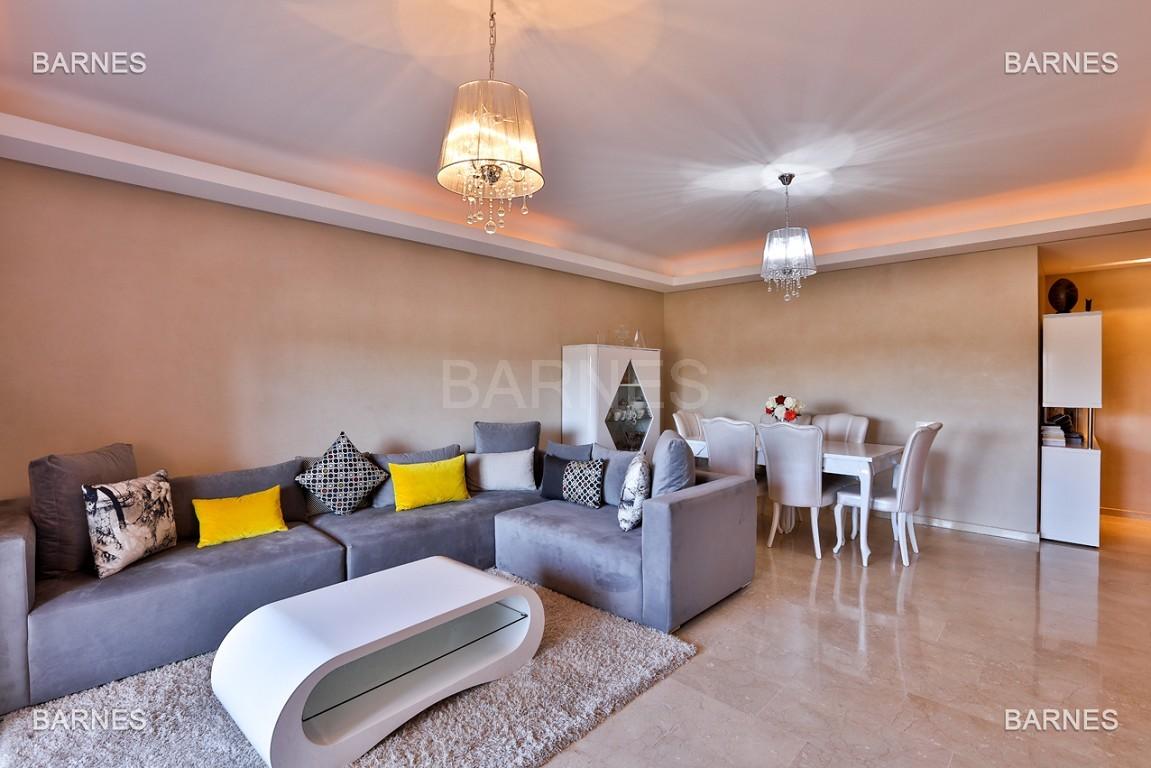 Très bel appartement de très haut standing proche du lycée Victor Hugo de128 m² dont 2 terrasses de 17 m² et 10 m². picture 5