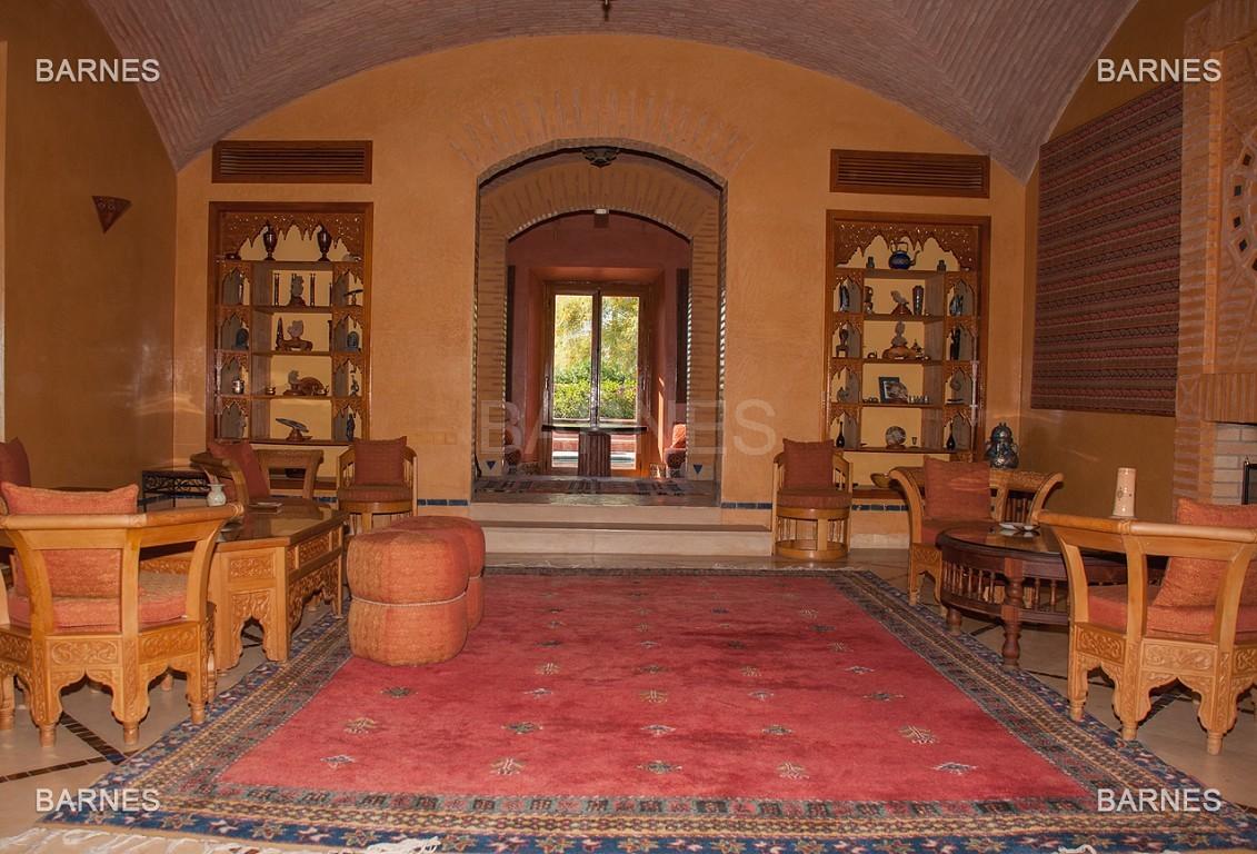 Une très belle propriété plein de charme, nichée au beau milieu d'un très beau parc de 2.500m²,  picture 6