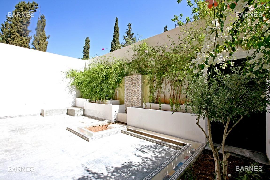 Magnifique duplex de 242 m² situé au coeur de l'hivernage dans une prestigieuse résidence avec piscine picture 3