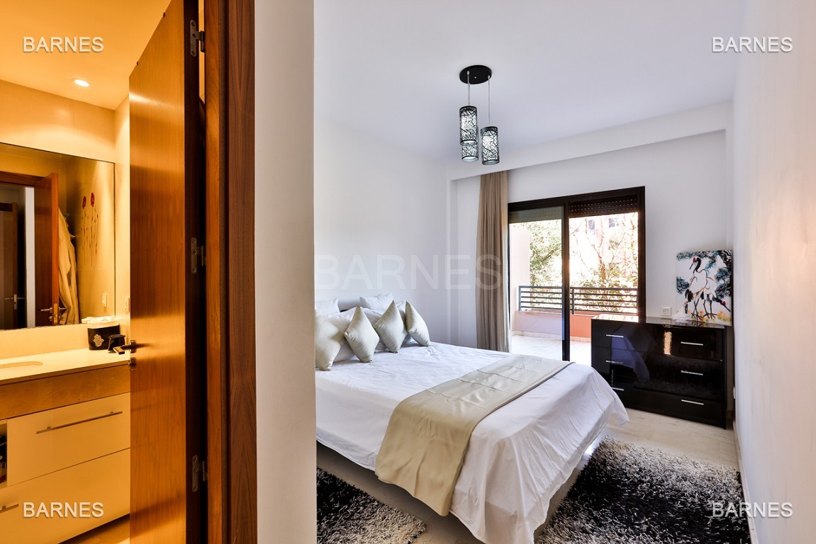 Très bel appartement de très haut standing proche du lycée Victor Hugo de128 m² dont 2 terrasses de 17 m² et 10 m². picture 3