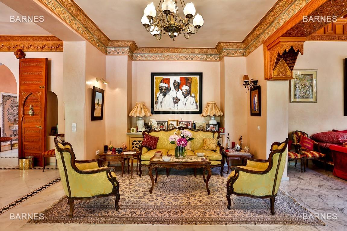 Très belle propriété a la palmeraie, véritable opportunité en terme de rapport qualité prix. 6 chambres un hectare de terrain arboré, dans la belle palmeraie , belle piscine. Matériaux noble marbre, boiserie en cèdres… picture 7