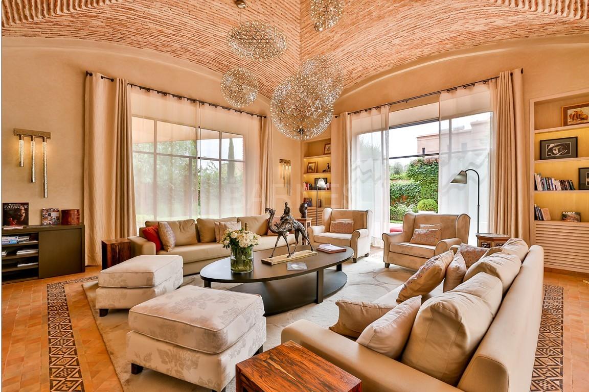 Vente villa Marrakech  Très belle villa sur Golf d'Amelkis, 5ch, toute récemment refaite et décorée avec du mobilier de très grande qualité.  picture 10