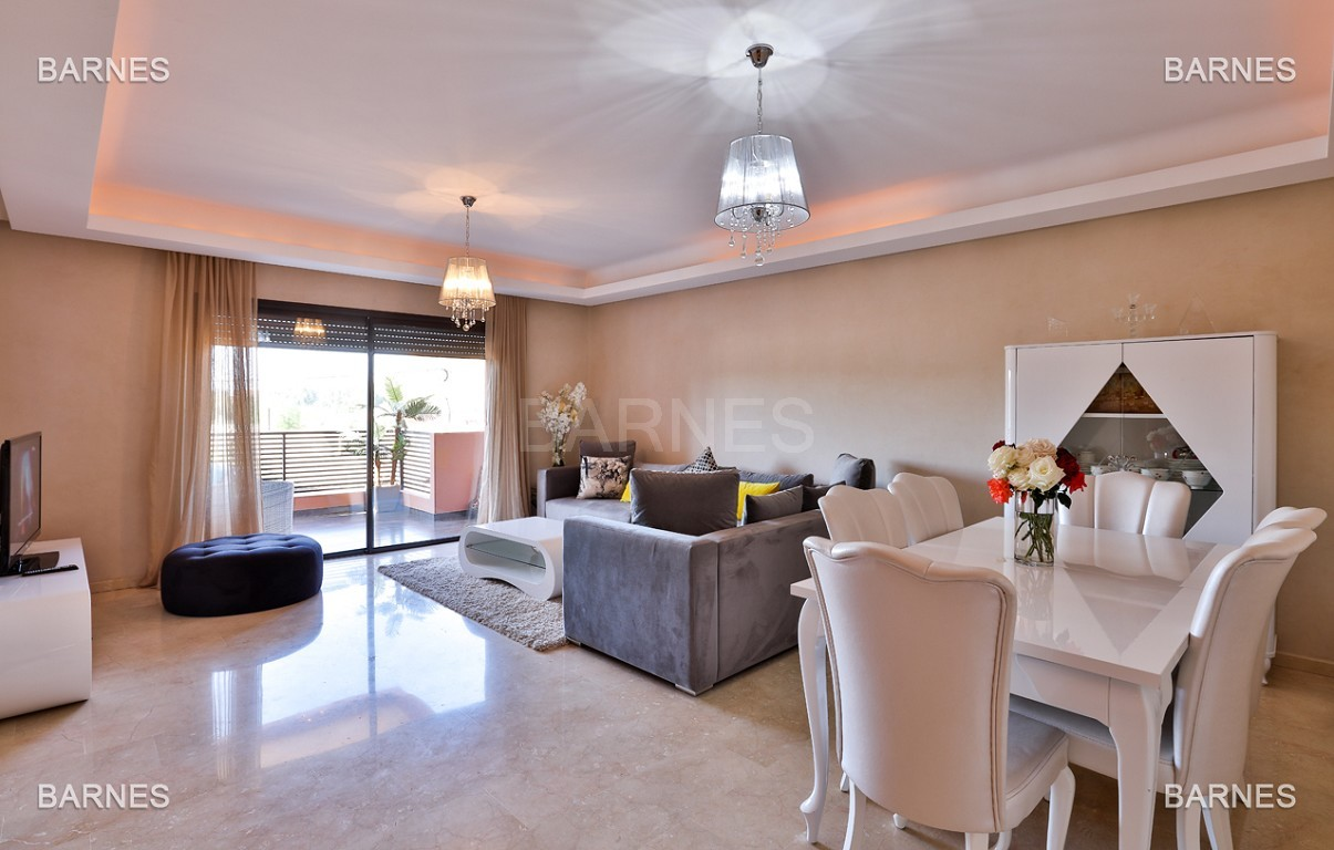 Très bel appartement de très haut standing proche du lycée Victor Hugo de128 m² dont 2 terrasses de 17 m² et 10 m². picture 0