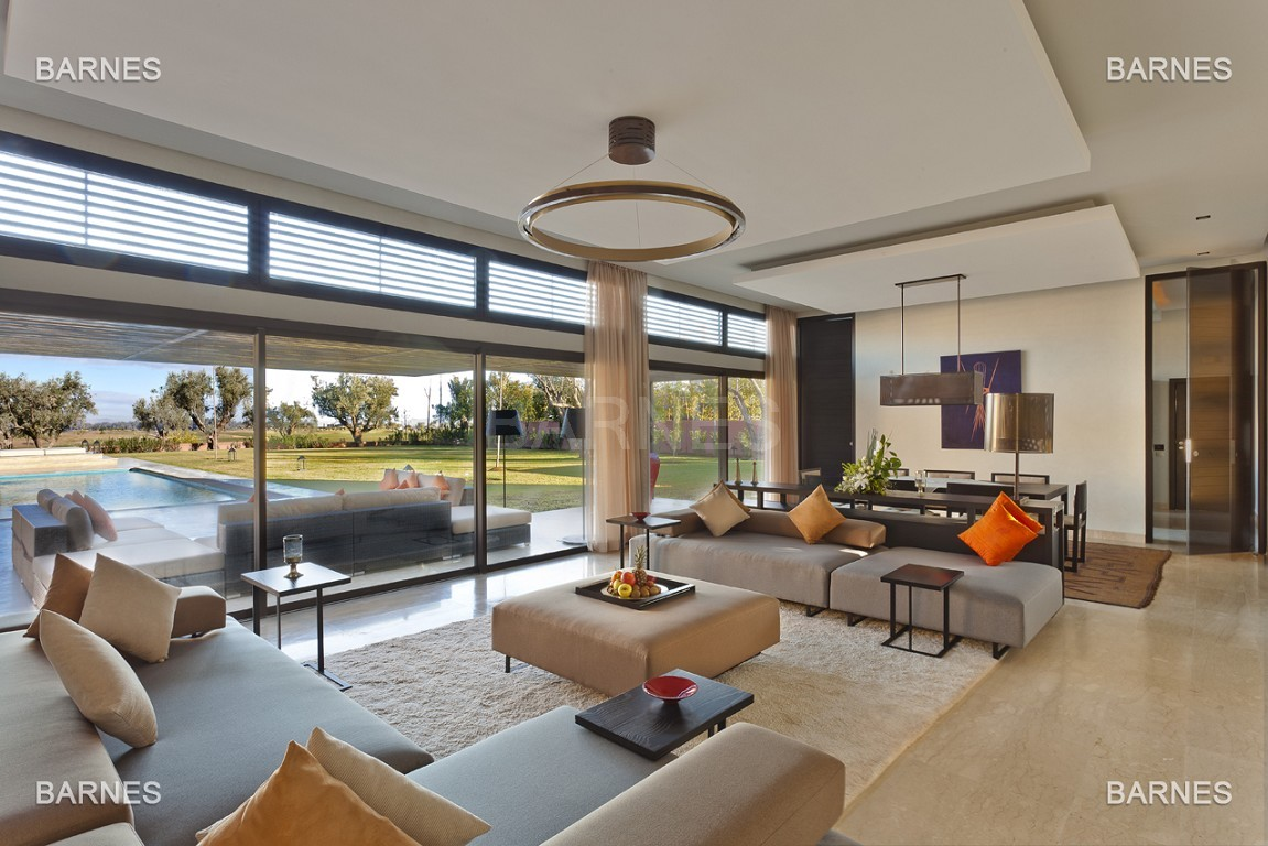Villa contemporaine sur Golf de 400 m² habitables sur un terrain de 2500 m² picture 1