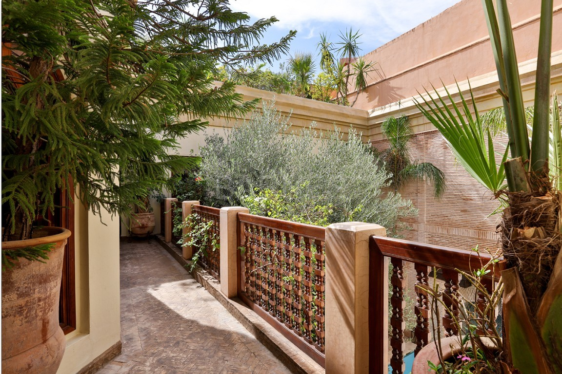 home Riad , heated patio , 2 living rooms , dining room , 5 bedrooms, 5 bathrooms , garage , patio picture 10