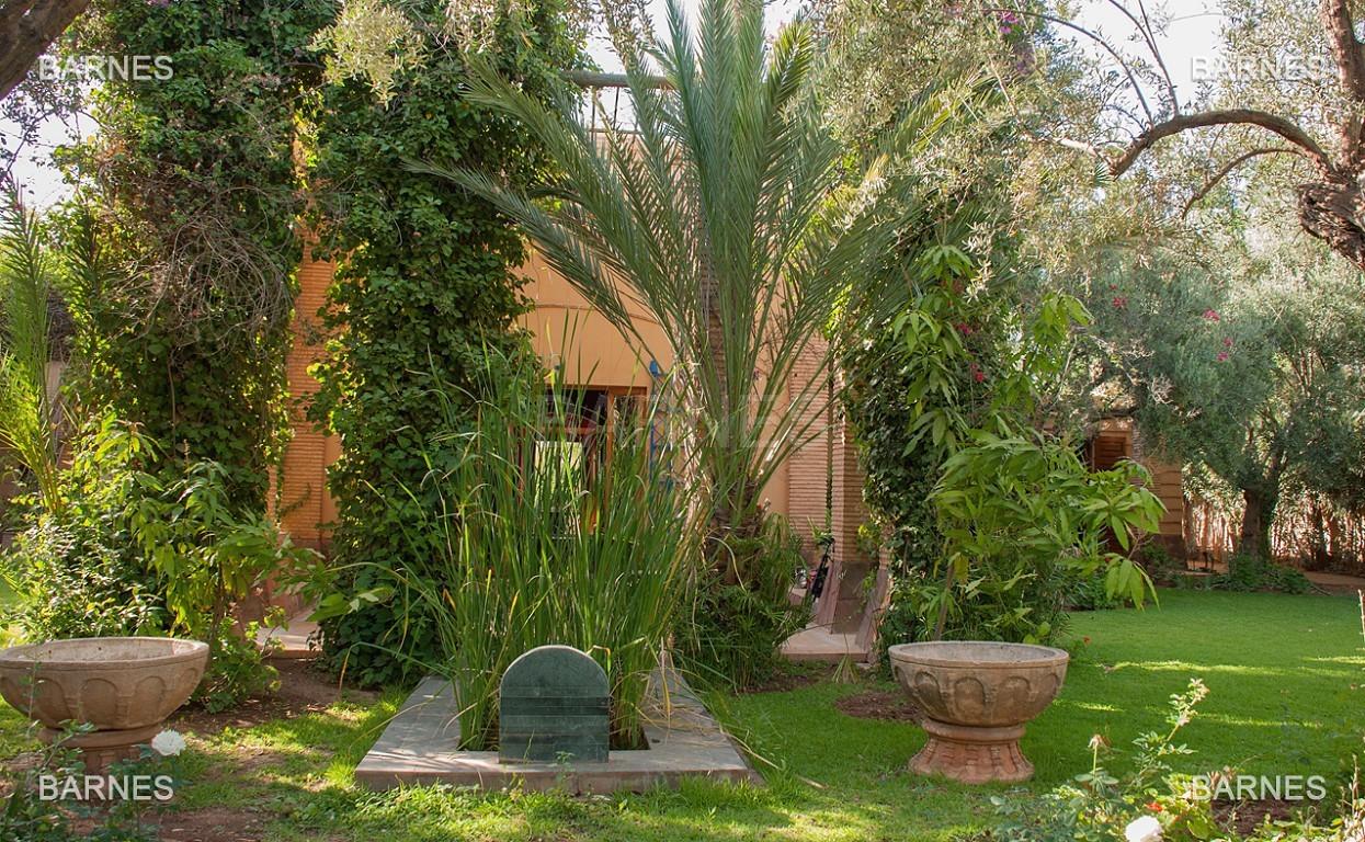 Une très belle propriété plein de charme, nichée au beau milieu d'un très beau parc de 2.500m²,  picture 18