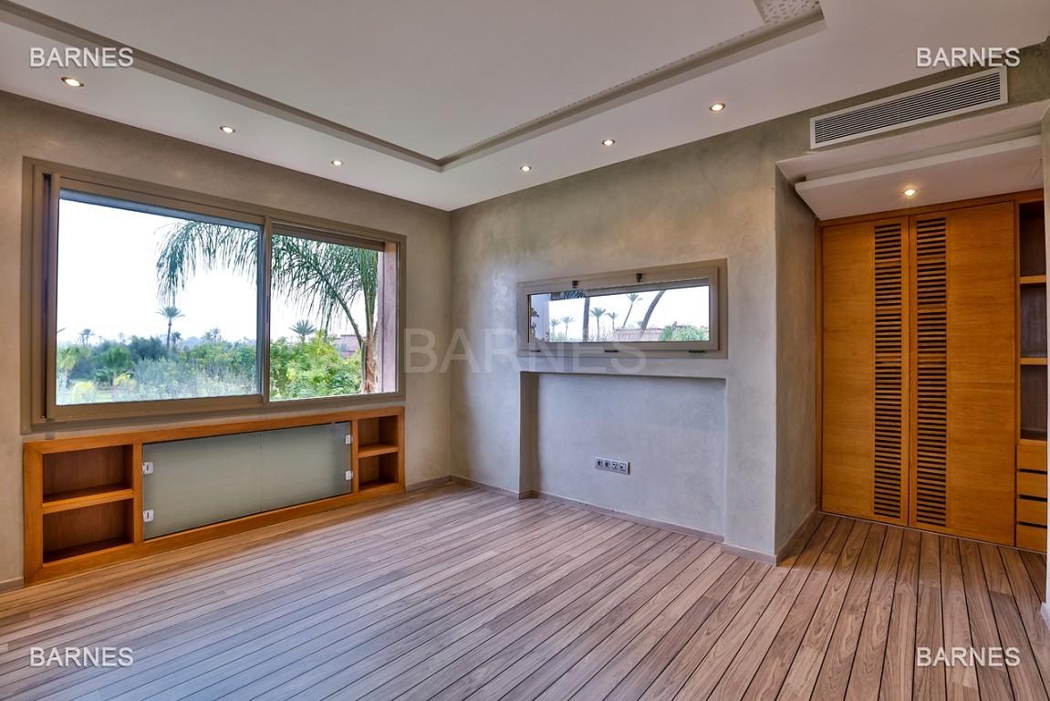 Villa contemporaine au coeur du circuit de la palmeraie Marrakech bâtie sur un terrain de 4000 m² et offrant une superficie habitable de 430 m². picture 11