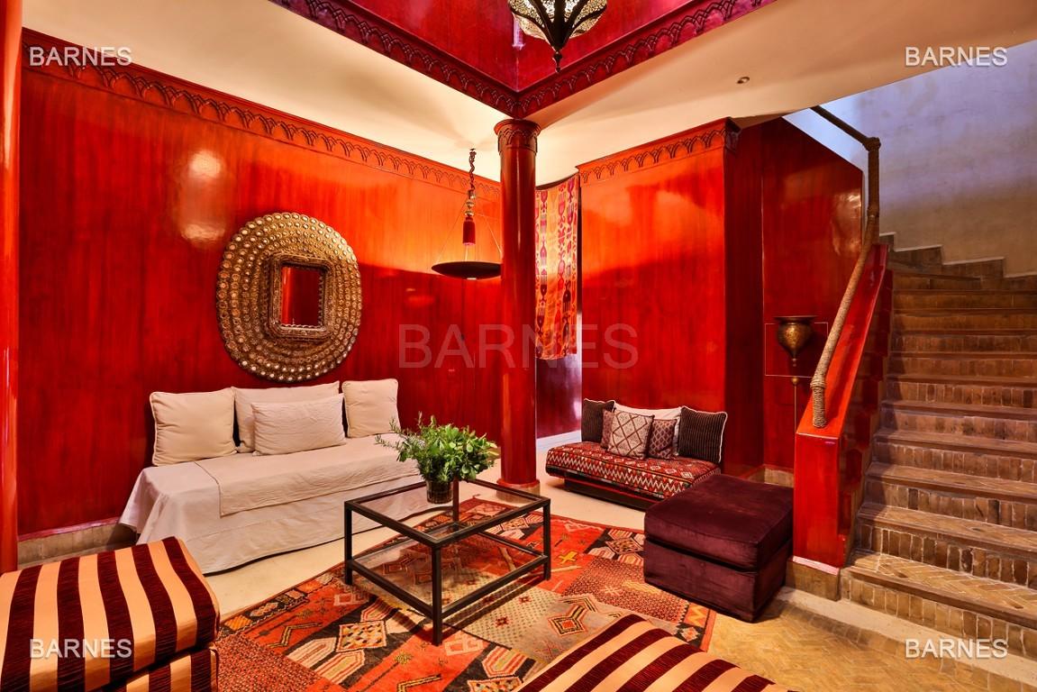 Très belle villa de style Marocain et art déco située dans un secteur de la palmeraie calme et accessible .  Parc sublime, villa principale avec piscine et maison d'ami avec piscine . picture 12