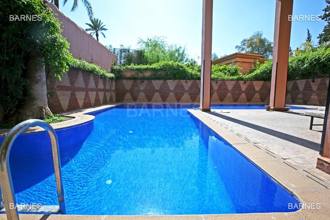 Magnifique duplex de 242 m² situé au coeur de l'hivernage dans une prestigieuse résidence avec piscine picture 2