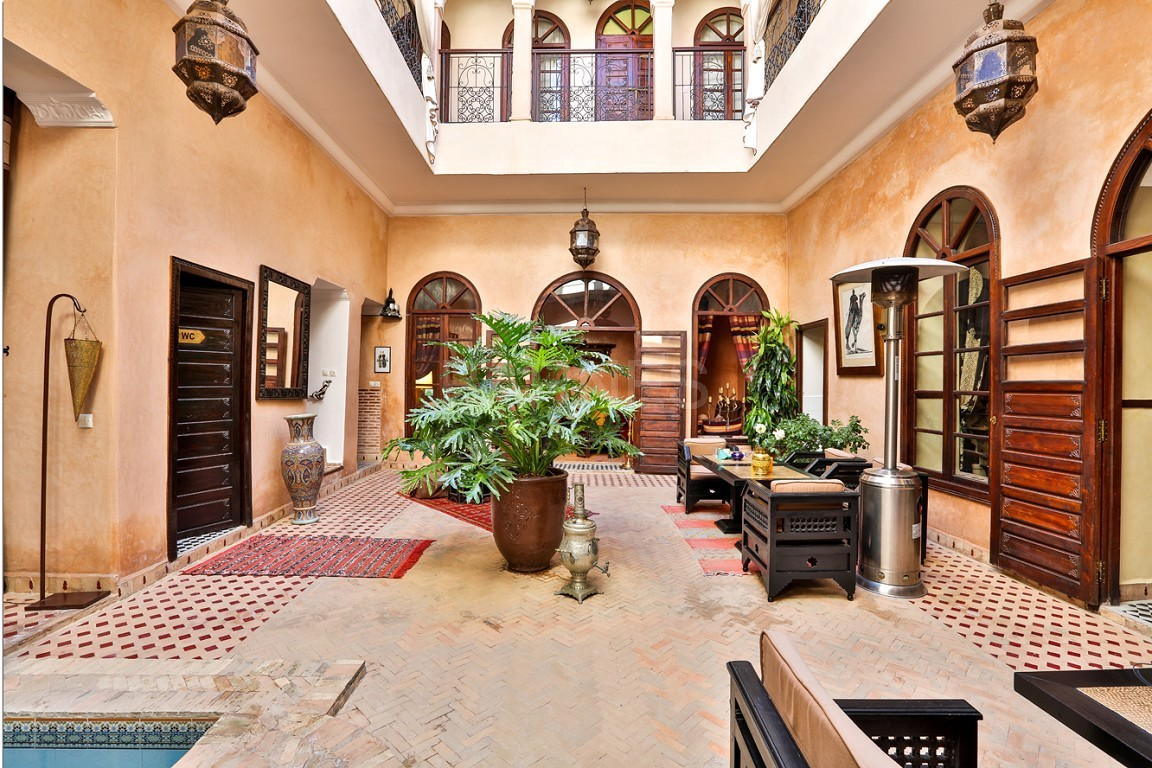 Riad guest house , 2 patios, pool , 10 bedrooms, 10 bathrooms , fireplace lounge, dining room , steam room, massage rooms , terrace picture 1