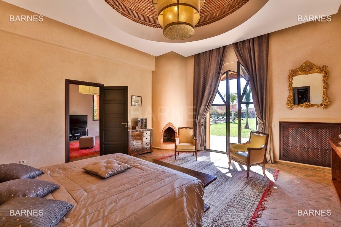Très belle propriété d'inspiration marocaine, construite de plain pied sur 600m2  picture 6
