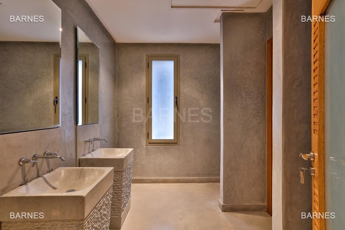 Villa contemporaine au coeur du circuit de la palmeraie Marrakech bâtie sur un terrain de 4000 m² et offrant une superficie habitable de 430 m². picture 4