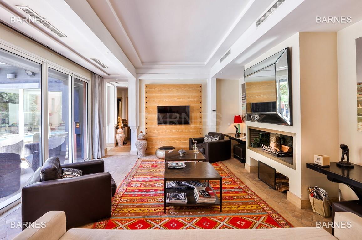 Située entre Medina et Ville nouvelle , superbe villa type Ryad dans un Hotel 5 étoiles .   picture 12