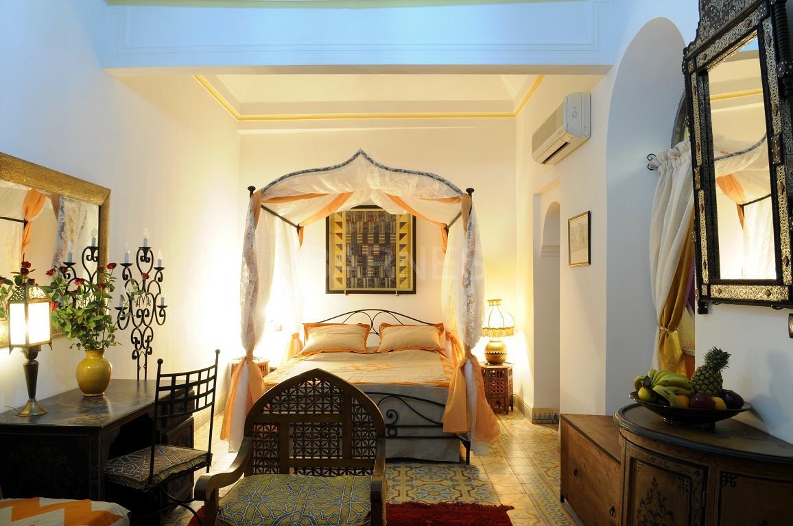 Riad maison d'hôtes, 11 chambres, 11 salles de bains, 2 patios, salons, salle à manger,  picture 2