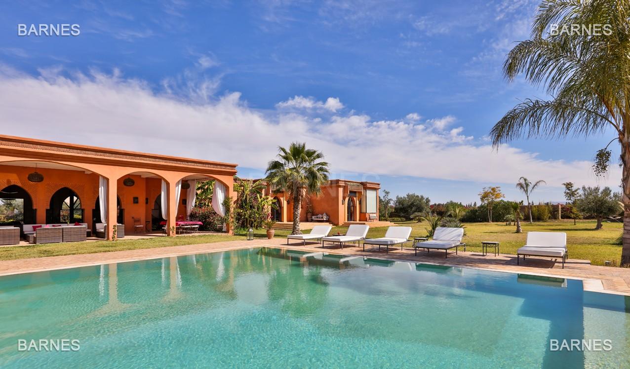 Très belle propriété d'inspiration marocaine, construite de plain pied sur 600m2  picture 2