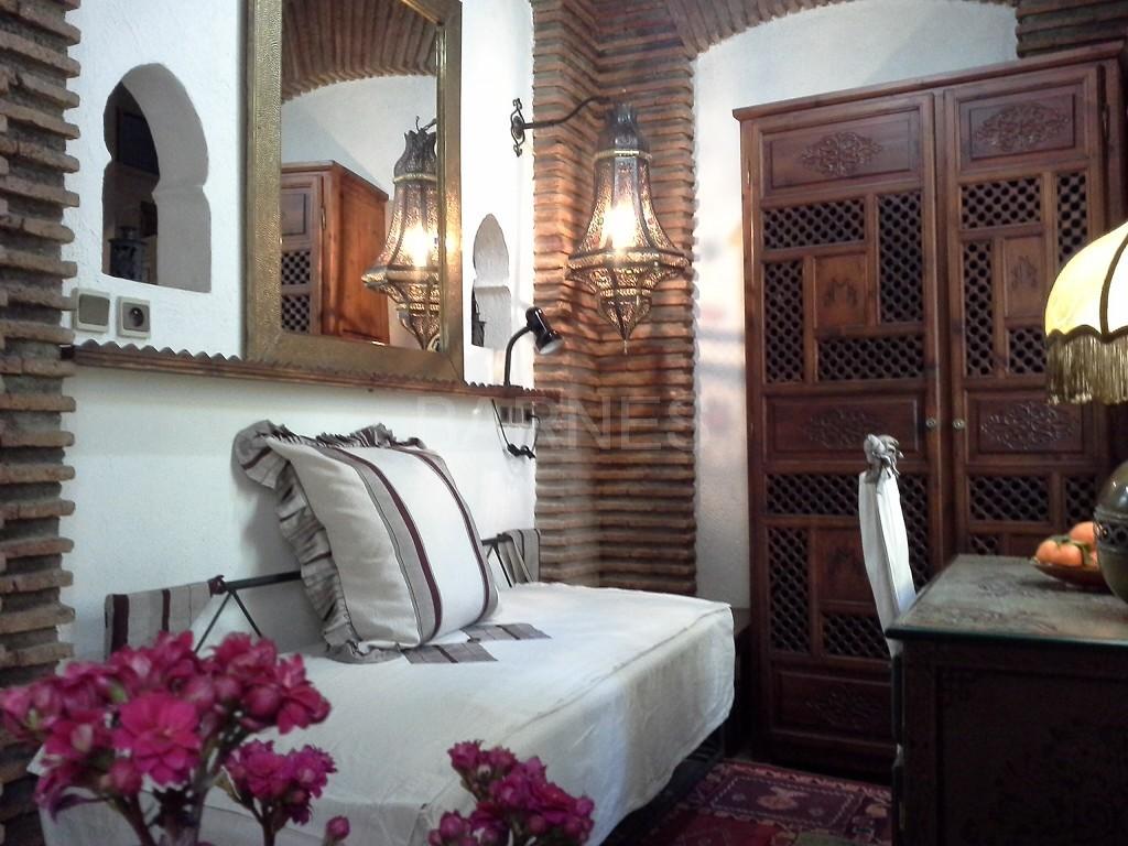 Riad maison d'hôtes, 11 chambres, 11 salles de bains, 2 patios, salons, salle à manger,  picture 16