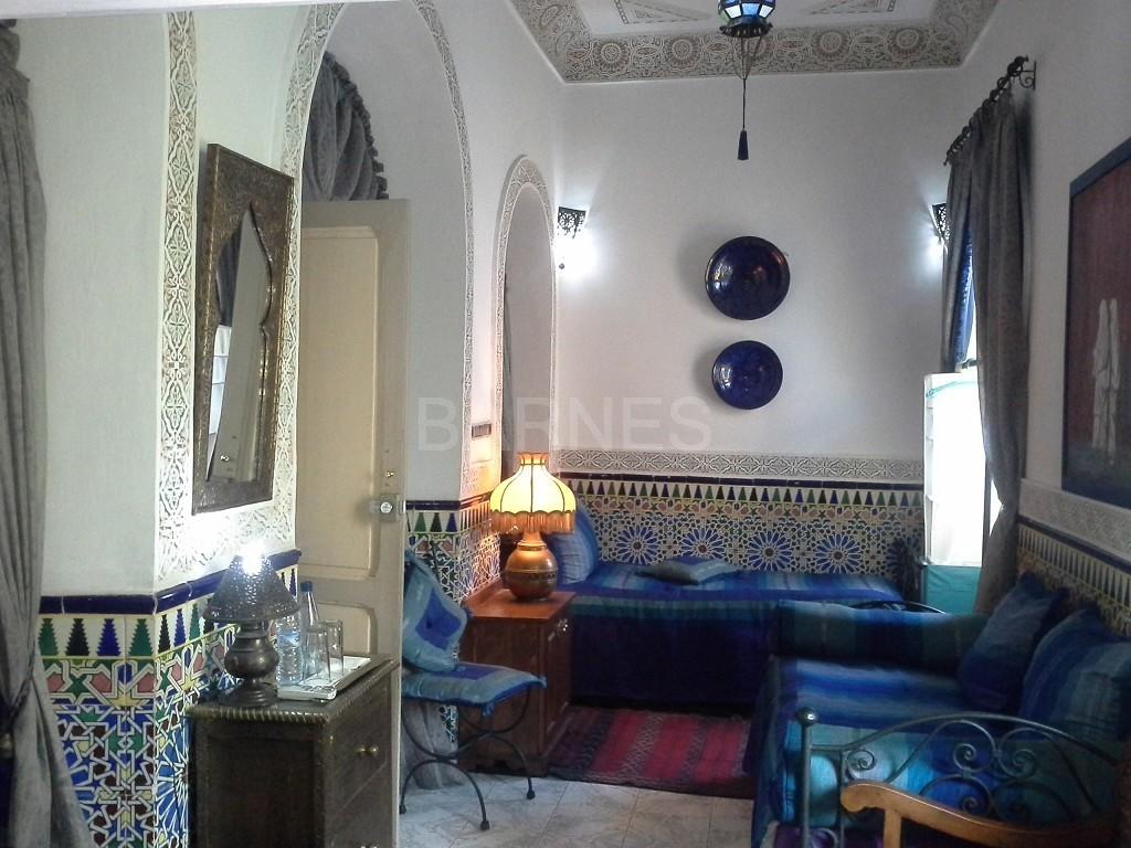 Riad maison d'hôtes, 11 chambres, 11 salles de bains, 2 patios, salons, salle à manger,  picture 5