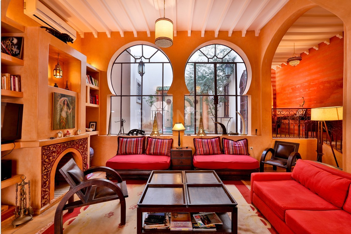 Riad , Patio pool , 6 bedrooms, 6 bathrooms , fireplace lounge, dining room , loft , terrace picture 3