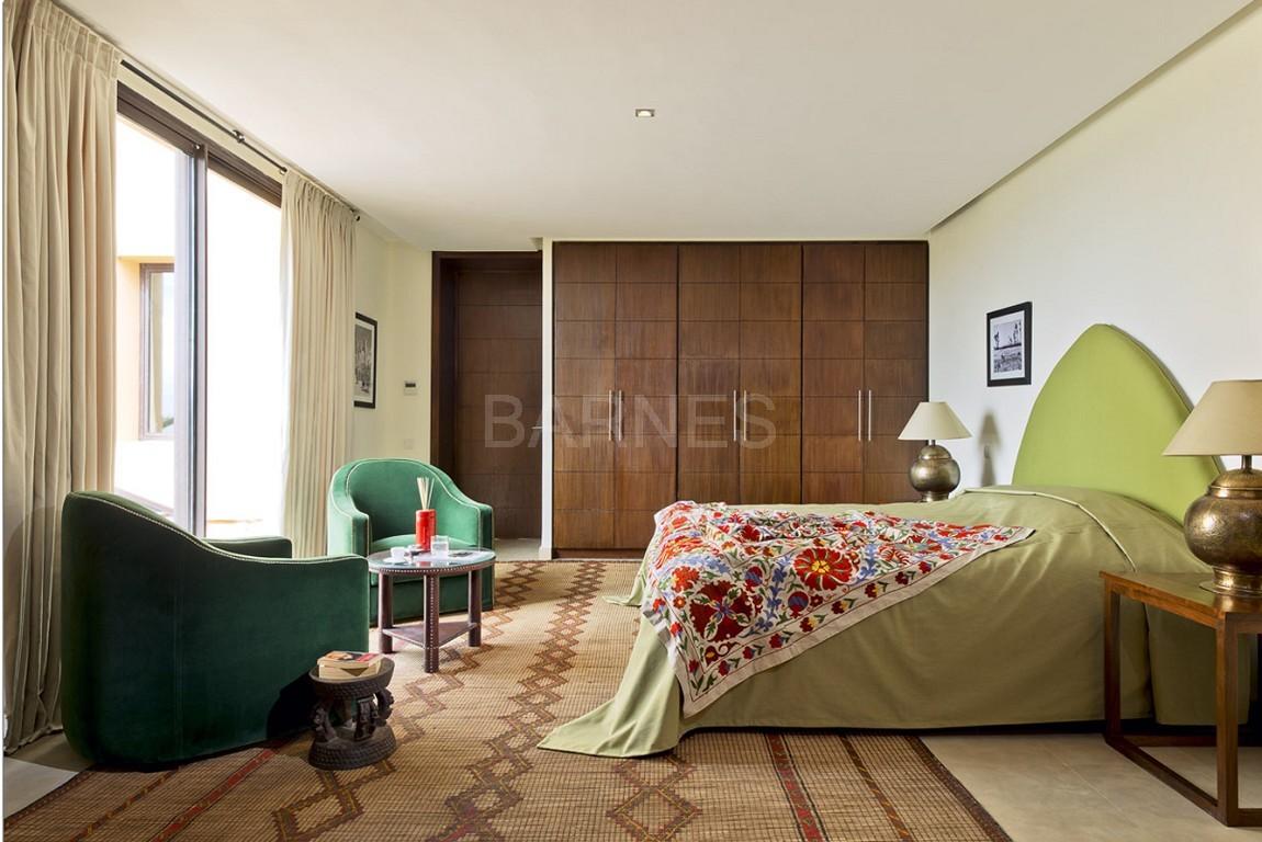 Nichée en première ligne du golf Al Maaden, cette tres belle propriété de luxe contemporaine abrite six chambres et suites au confort d'exception picture 10