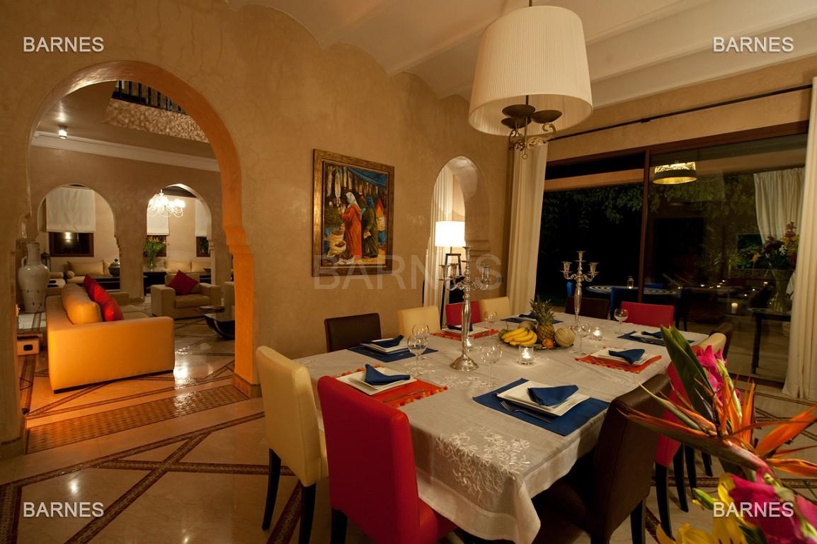 Impressionnante demeure marocaine construite dans la zone d'Amelkis sur un grand terrain de 1200m2 picture 11