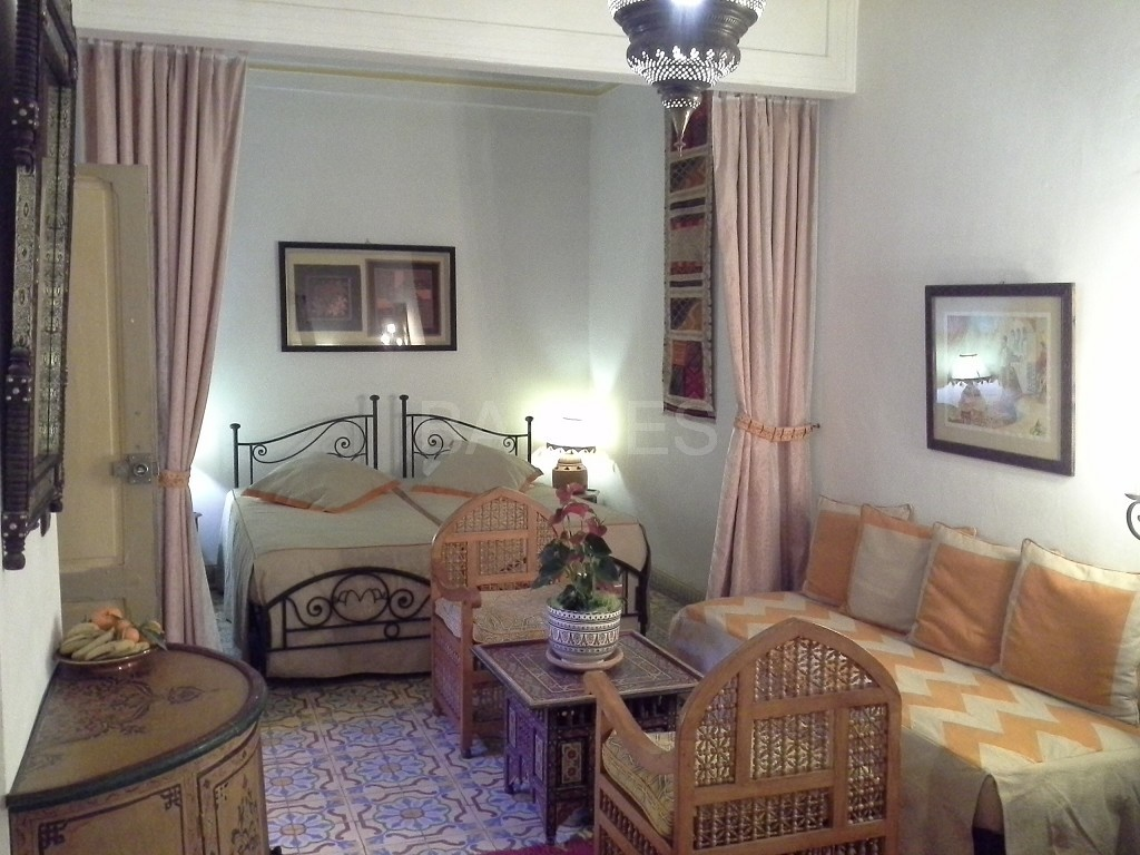 Riad maison d'hôtes, 11 chambres, 11 salles de bains, 2 patios, salons, salle à manger,  picture 4