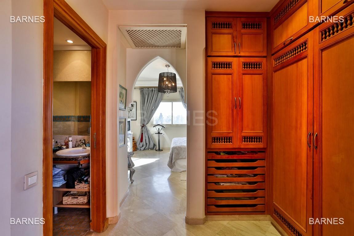 Duplex Somptueux de 245m² avec la plus belle vue de tout le vieil hivernage. picture 8
