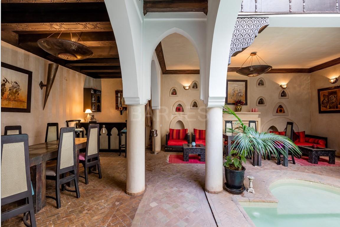 Riad maison d'hôtes, 7 chambres, 7 salles de bains, patio piscine, bhou (salon ouvert), cheminée, salle à manger, terrasse picture 10