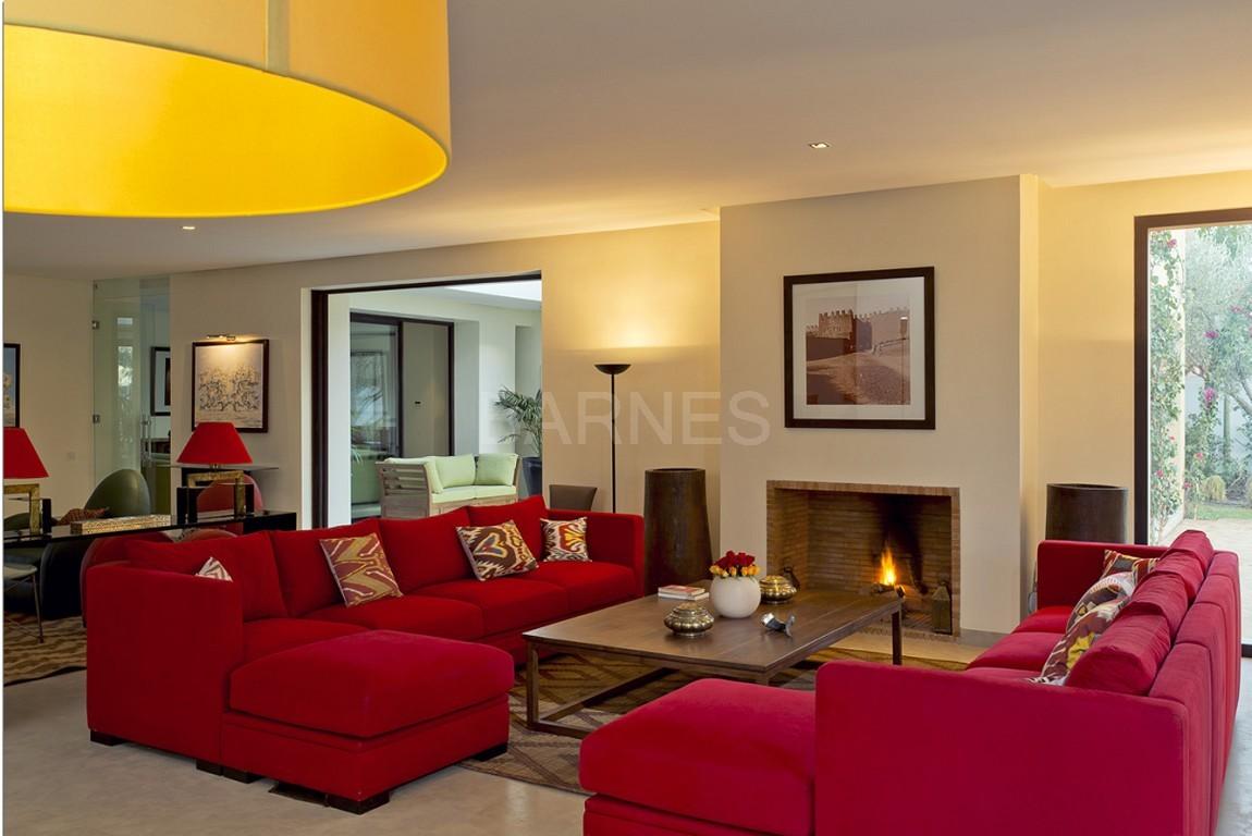Nichée en première ligne du golf Al Maaden, cette tres belle propriété de luxe contemporaine abrite six chambres et suites au confort d'exception picture 7