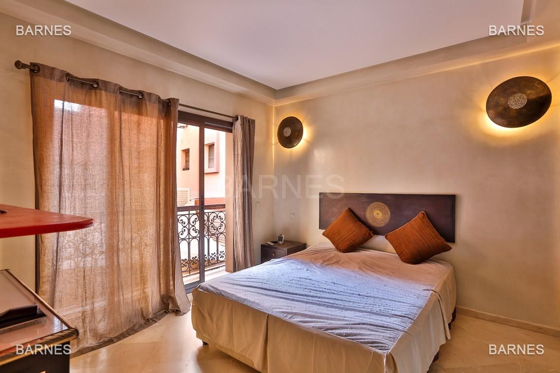 appartement en duplex de luxe vendre dans le quartier de gueliz centre ville. Black Bedroom Furniture Sets. Home Design Ideas