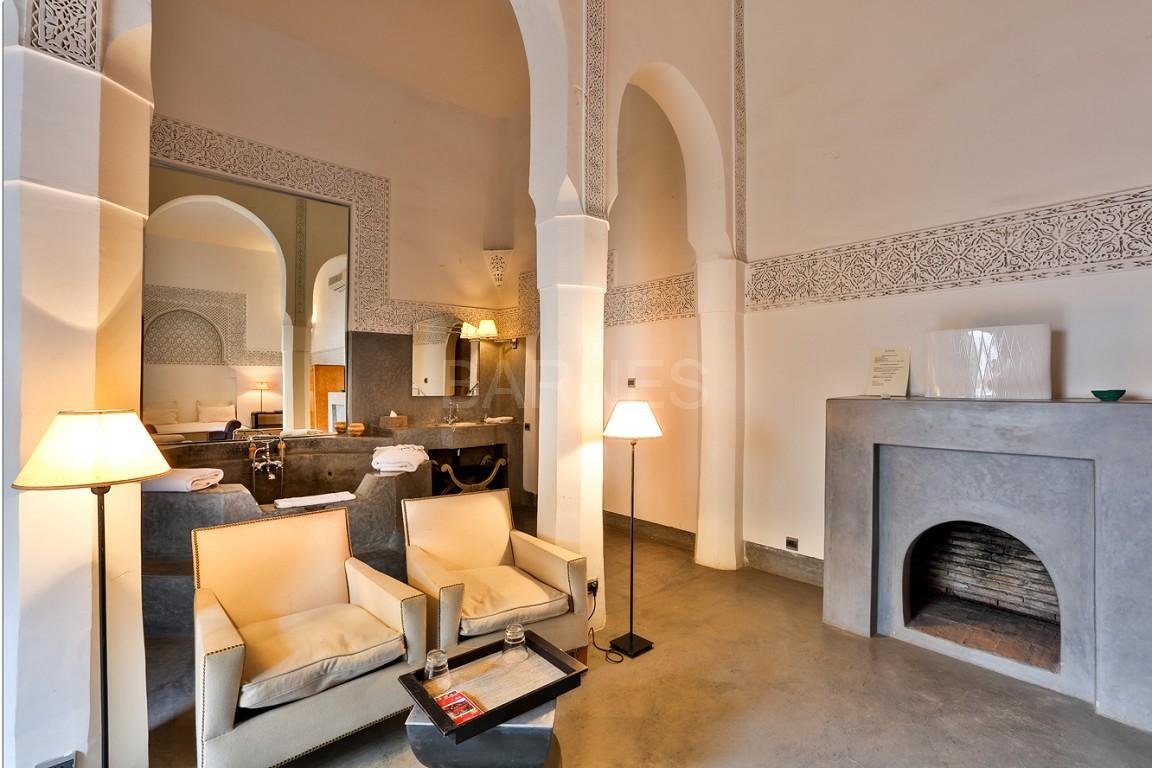 Riad maison d'hôtes, salon, salle à manger, 3 chambres, 3 suites, 6 salles de bains, piscine, terrasse picture 8