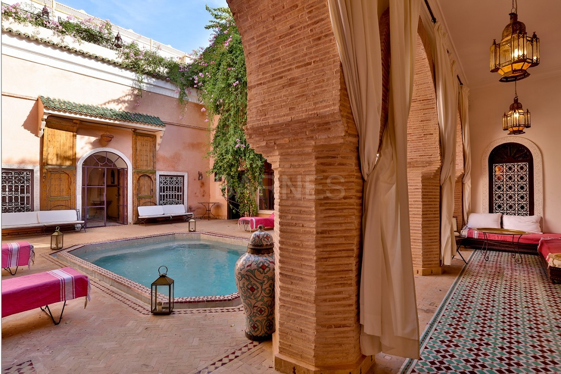 Riad , Patio pool , 6 bedrooms, 6 bathrooms , fireplace lounge, dining room , loft , terrace picture 15