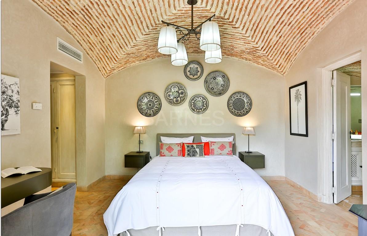 Vente villa Marrakech  Très belle villa sur Golf d'Amelkis, 5ch, toute récemment refaite et décorée avec du mobilier de très grande qualité.  picture 4