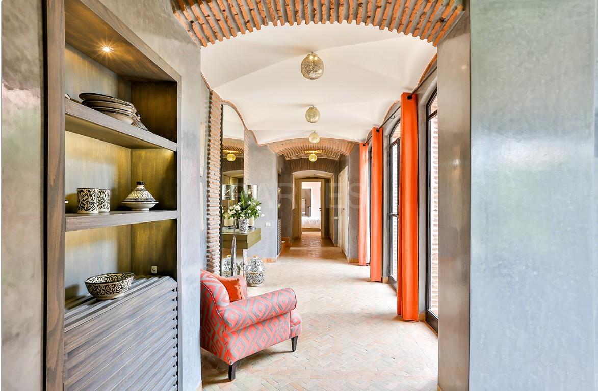 Vente villa Marrakech  Très belle villa sur Golf d'Amelkis, 5ch, toute récemment refaite et décorée avec du mobilier de très grande qualité.  picture 6