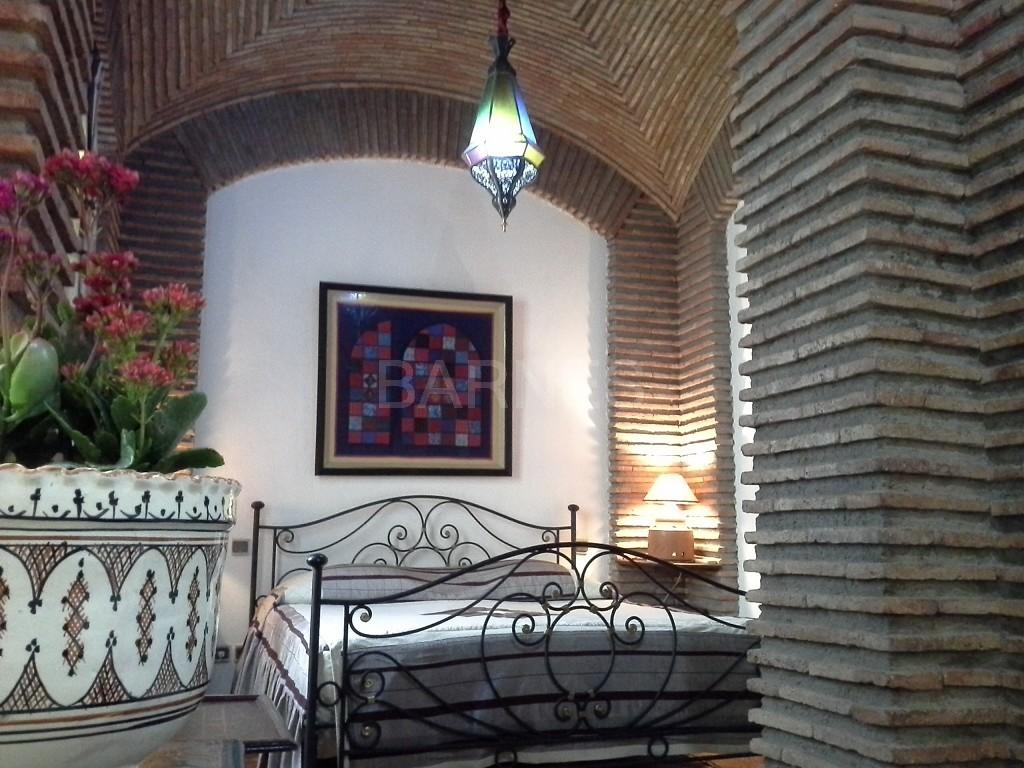 Riad maison d'hôtes, 11 chambres, 11 salles de bains, 2 patios, salons, salle à manger,  picture 15