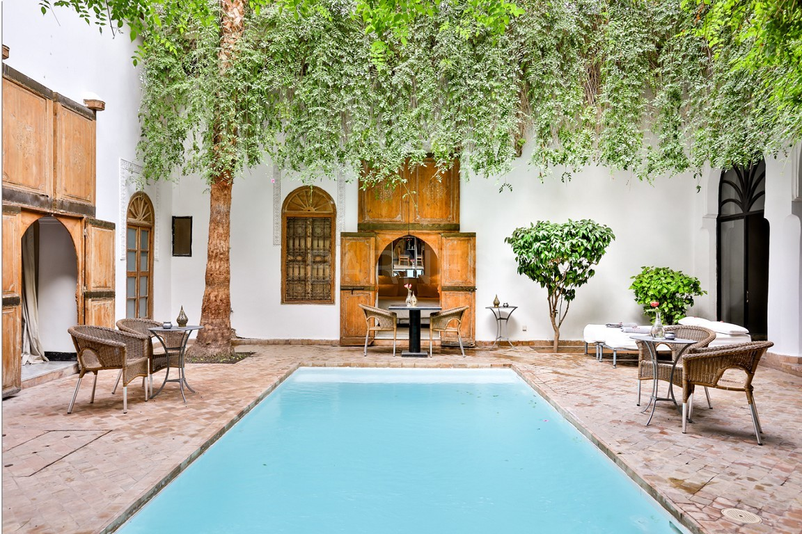 Riad maison d'hôtes, salon, salle à manger, 3 chambres, 3 suites, 6 salles de bains, piscine, terrasse picture 3