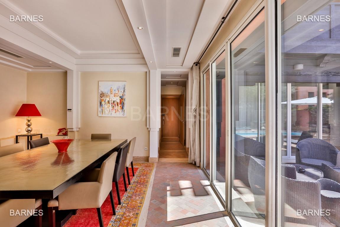 Située entre Medina et Ville nouvelle , superbe villa type Ryad dans un Hotel 5 étoiles .   picture 10