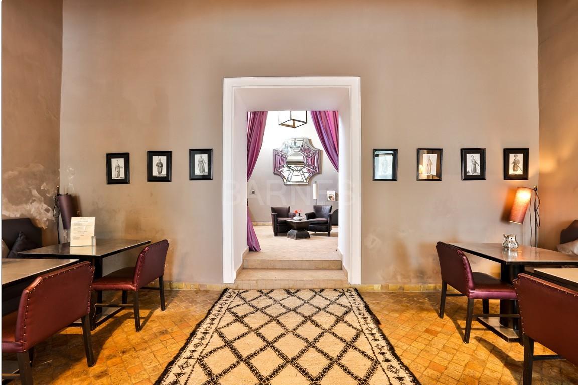 Riad maison d'hôtes, salon, salle à manger, 3 chambres, 3 suites, 6 salles de bains, piscine, terrasse picture 5