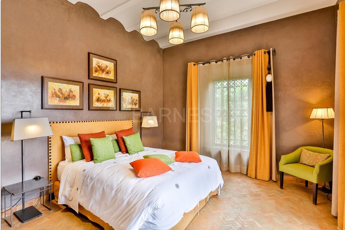 Vente villa Marrakech  Très belle villa sur Golf d'Amelkis, 5ch, toute récemment refaite et décorée avec du mobilier de très grande qualité.  picture 8