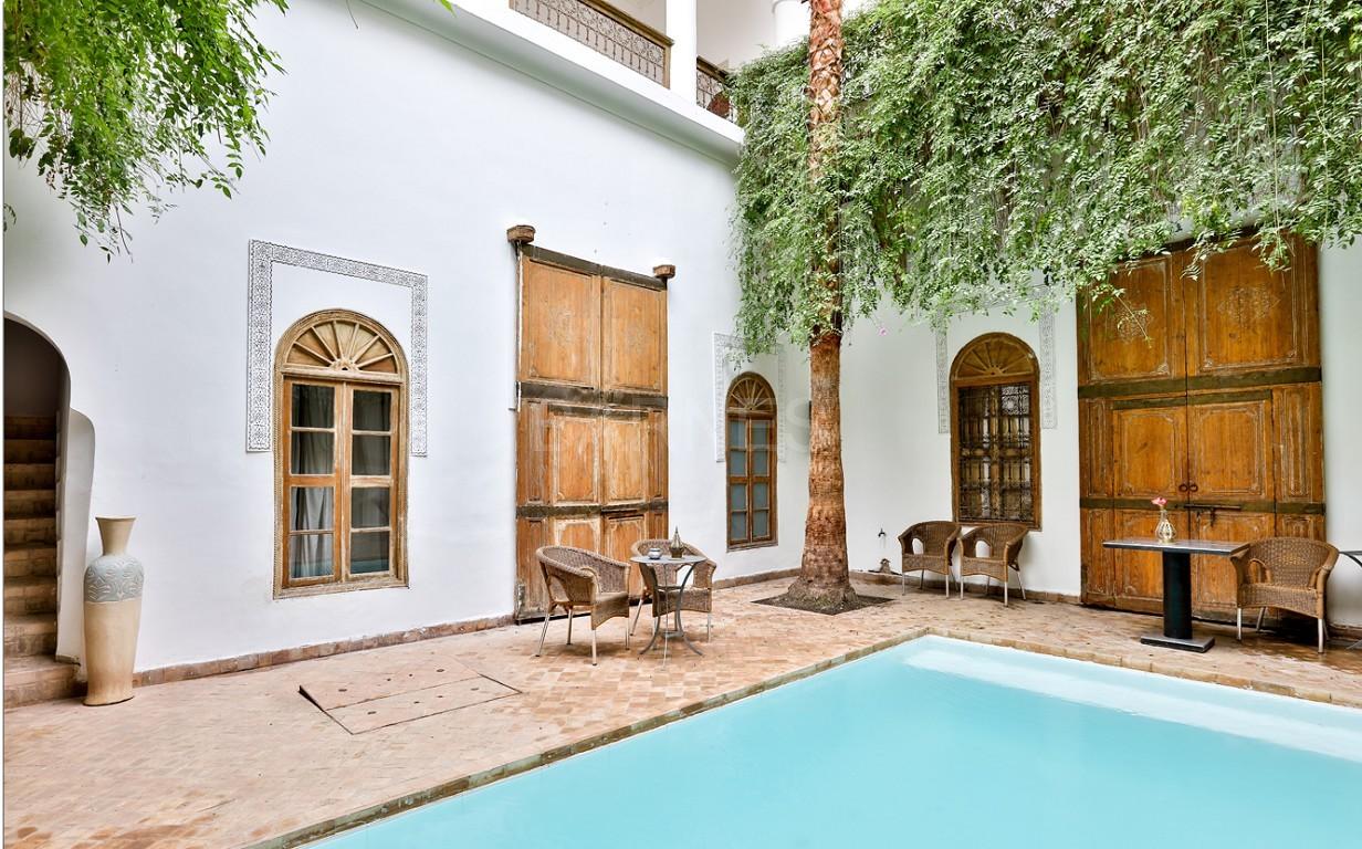 Riad maison d'hôtes, salon, salle à manger, 3 chambres, 3 suites, 6 salles de bains, piscine, terrasse picture 0