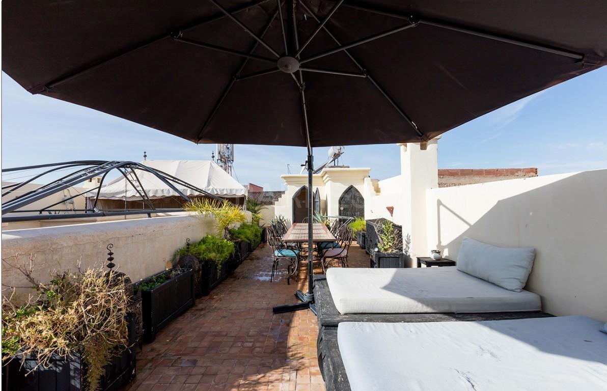 Riad maison d'hôtes, 7 chambres, 7 salles de bains, patio piscine, bhou (salon ouvert), cheminée, salle à manger, terrasse picture 6