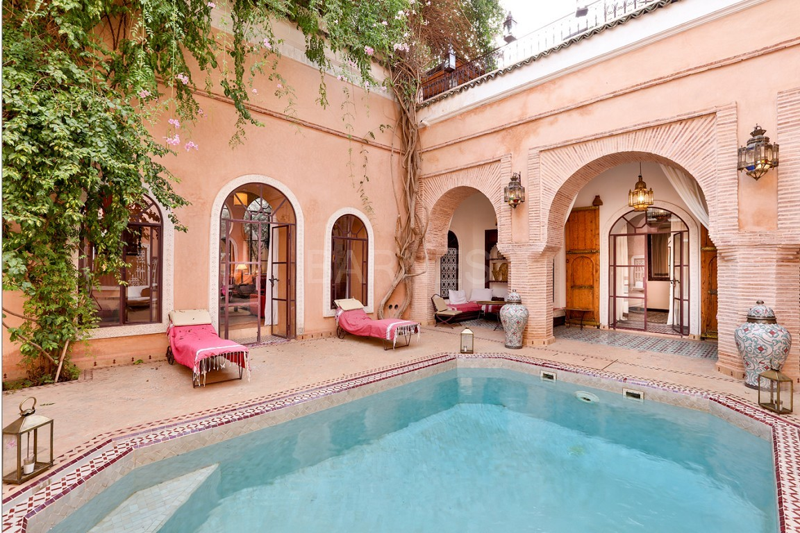 Riad , Patio pool , 6 bedrooms, 6 bathrooms , fireplace lounge, dining room , loft , terrace picture 2