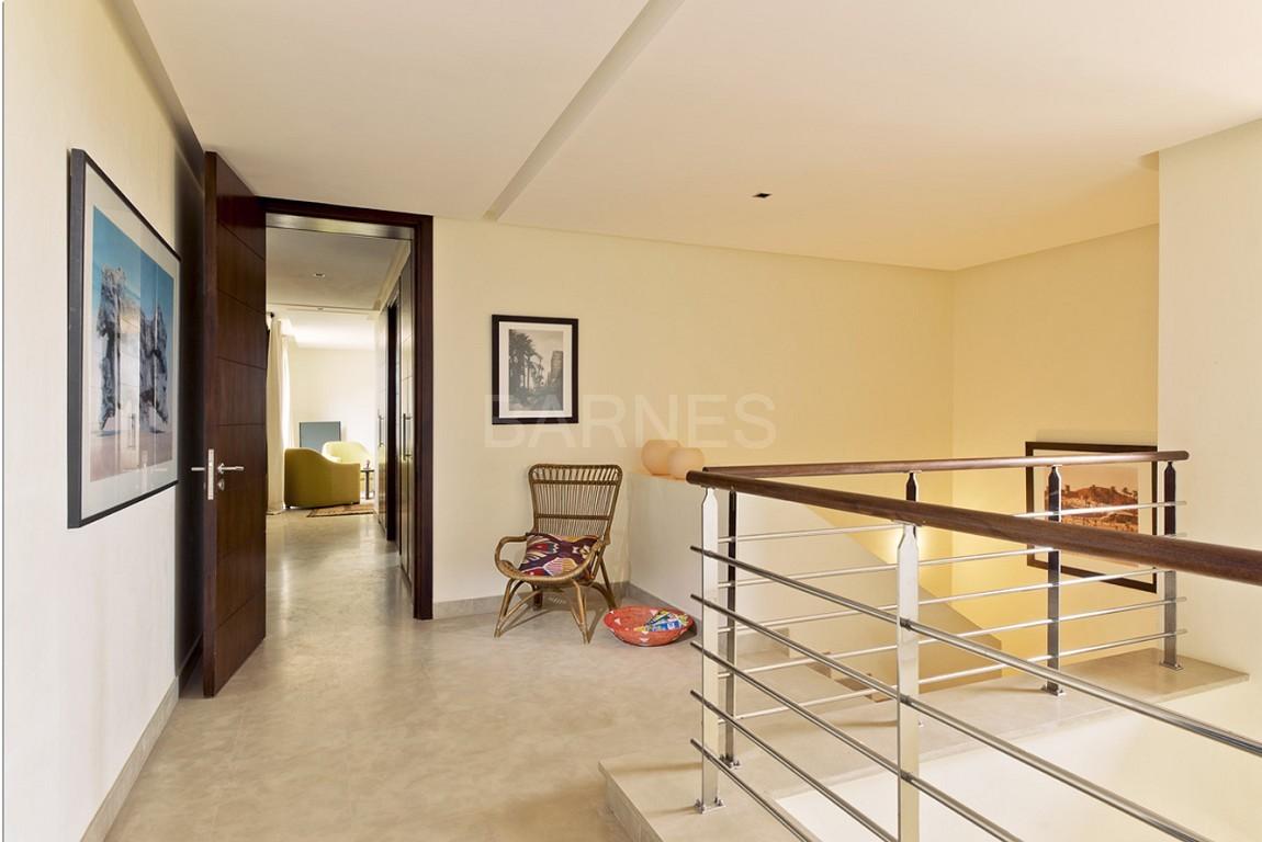 Nichée en première ligne du golf Al Maaden, cette tres belle propriété de luxe contemporaine abrite six chambres et suites au confort d'exception picture 15
