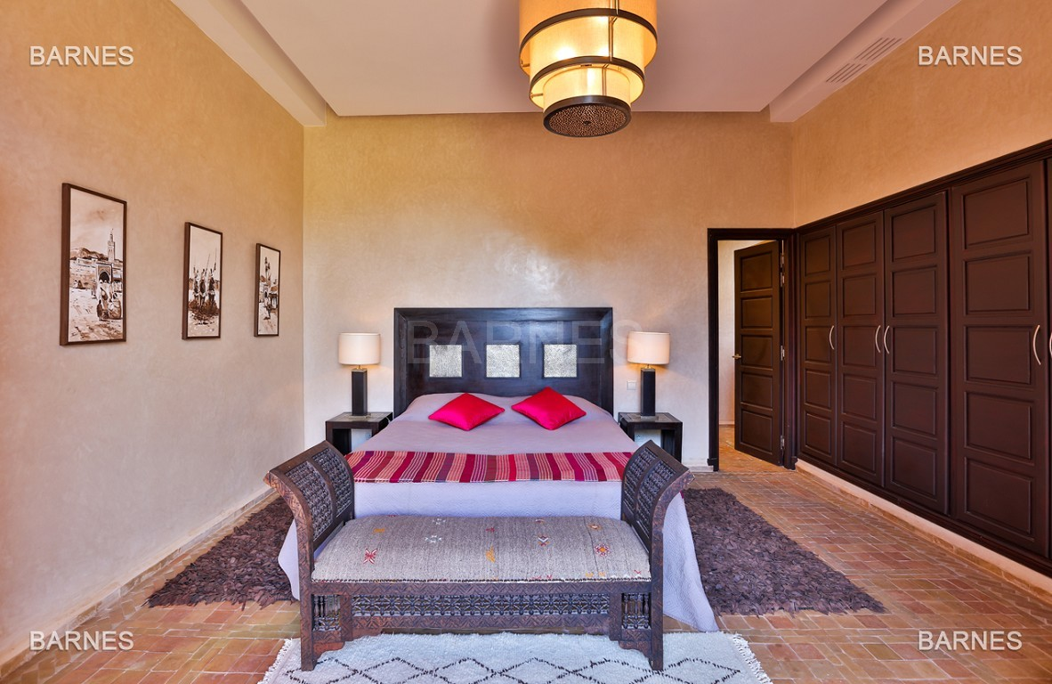 Très belle propriété d'inspiration marocaine, construite de plain pied sur 600m2  picture 7