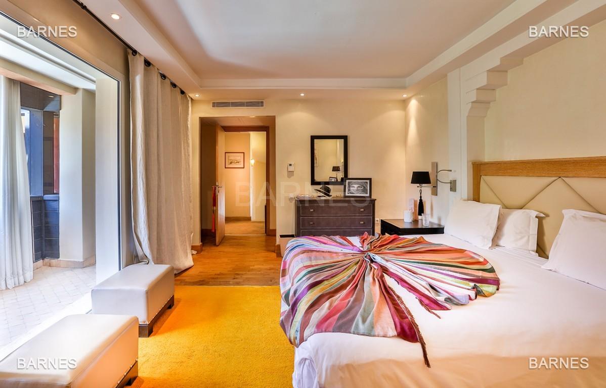 Située entre Medina et Ville nouvelle , superbe villa type Ryad dans un Hotel 5 étoiles .   picture 7