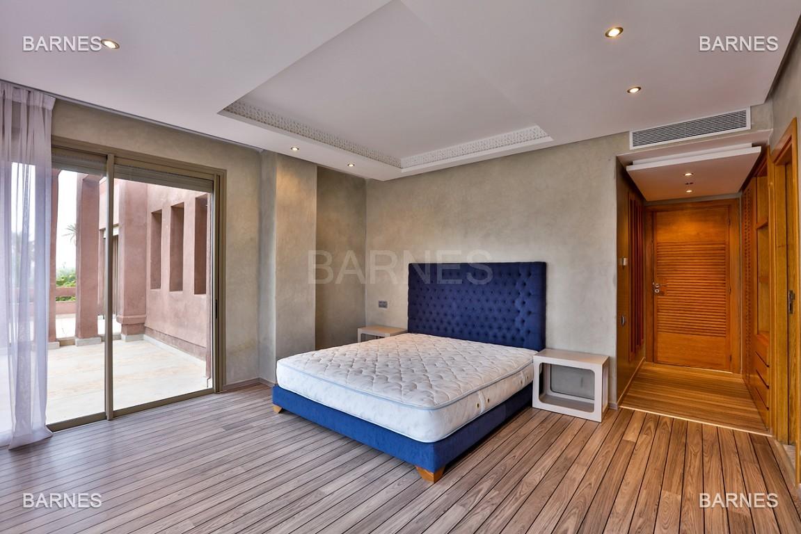 Villa contemporaine au coeur du circuit de la palmeraie Marrakech bâtie sur un terrain de 4000 m² et offrant une superficie habitable de 430 m². picture 10