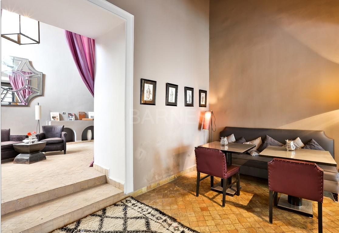 Riad maison d'hôtes, salon, salle à manger, 3 chambres, 3 suites, 6 salles de bains, piscine, terrasse picture 6