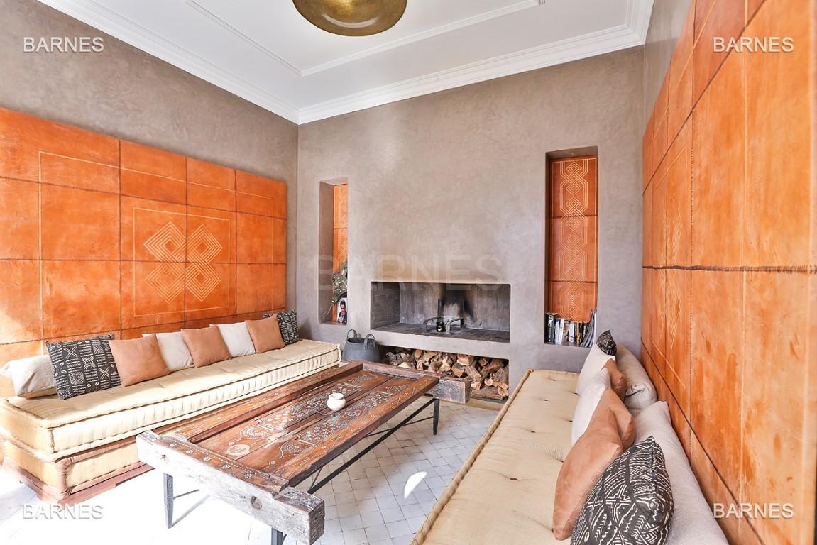 Maison d'hôtes, 8 chambres, 8 salles de bains, bassin, terrasse, jacuzzi. picture 9