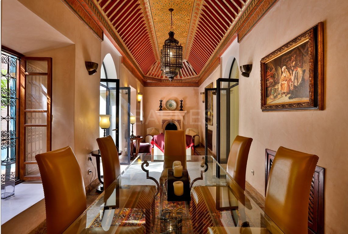home Riad , heated patio , 2 living rooms , dining room , 5 bedrooms, 5 bathrooms , garage , patio picture 6